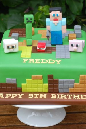 Minecraft – Cakes for the Latest Craze