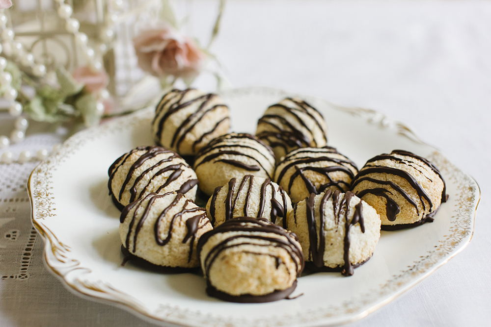 Vintage Tea Party chocolate and coconut macaroons