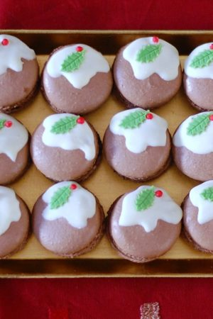Christmas Pudding Macarons