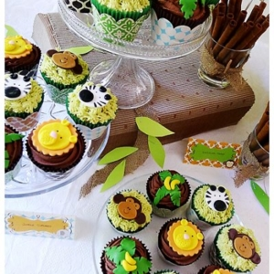 Colourful jungle safari celebration cupcakes
